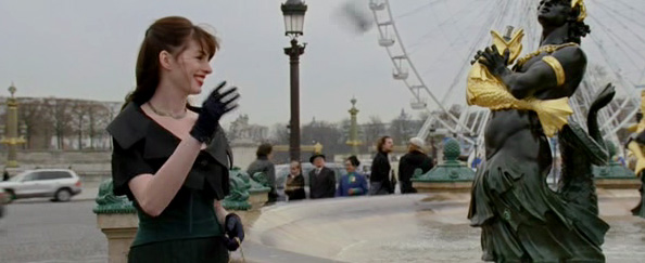 Throwing the phone at the Fontaine des Fleuves at Place de la Concorde - The Devil Wears Prada
