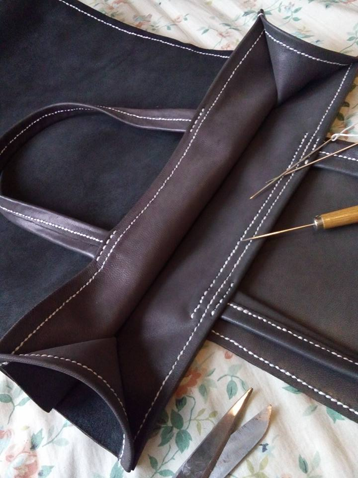 Hand-sewn from the inside - saddle stitch leather