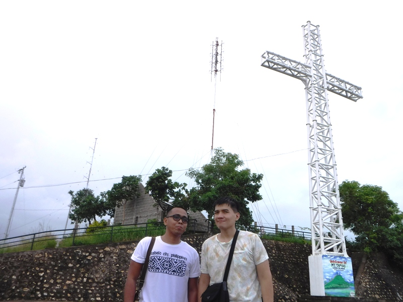 The cross on top of Mt. Tapyas