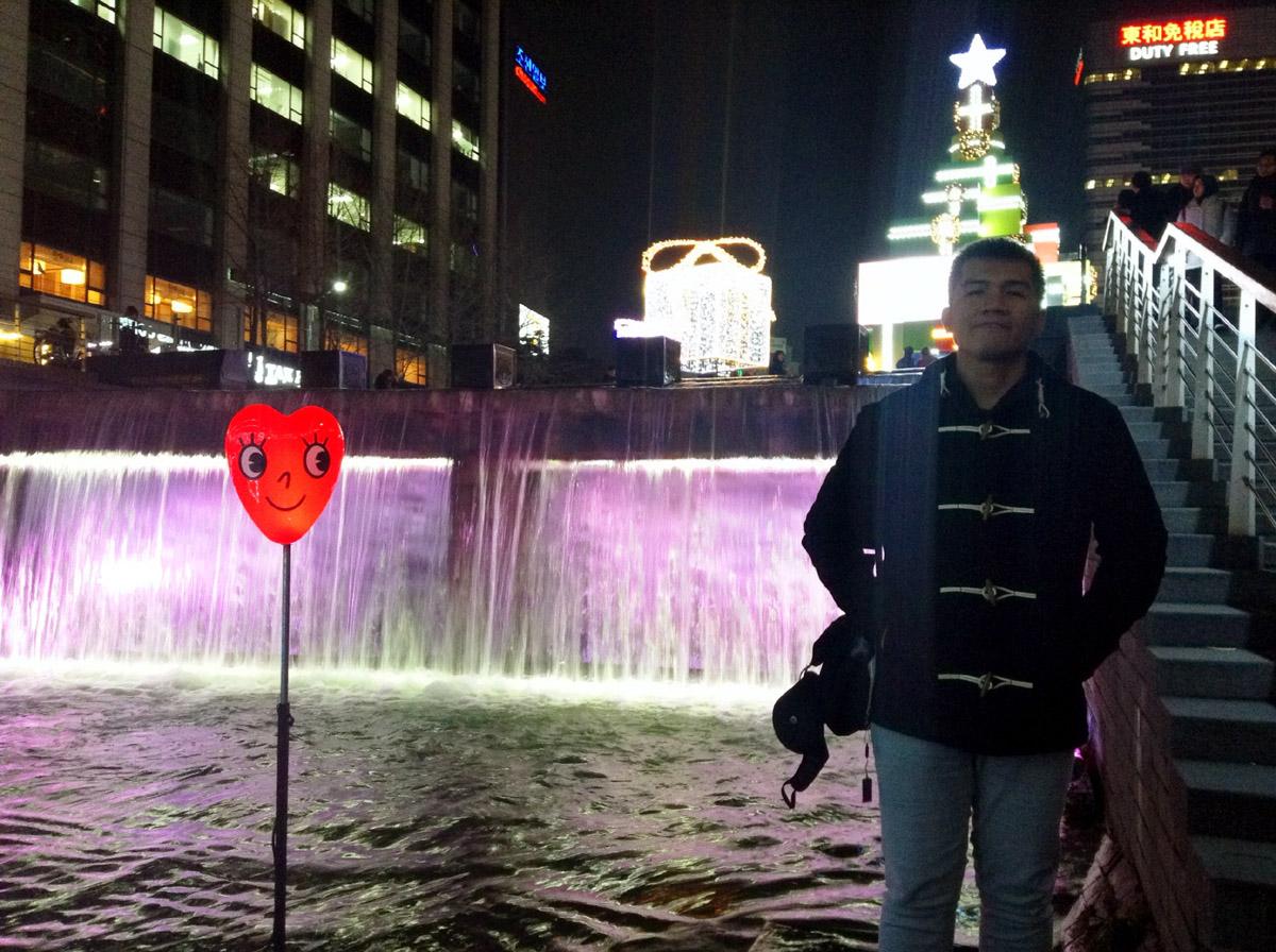 Mon at Cheonggyecheon