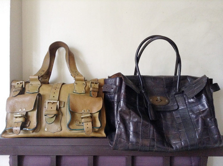 Size comparison -Mulberry Roxanne Bag in Apple Green Darwin Leather and Mulberry Bayswater Bag in Congo Leather