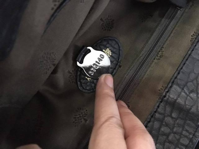 Mulberry Alexa bag fake serial number 373140