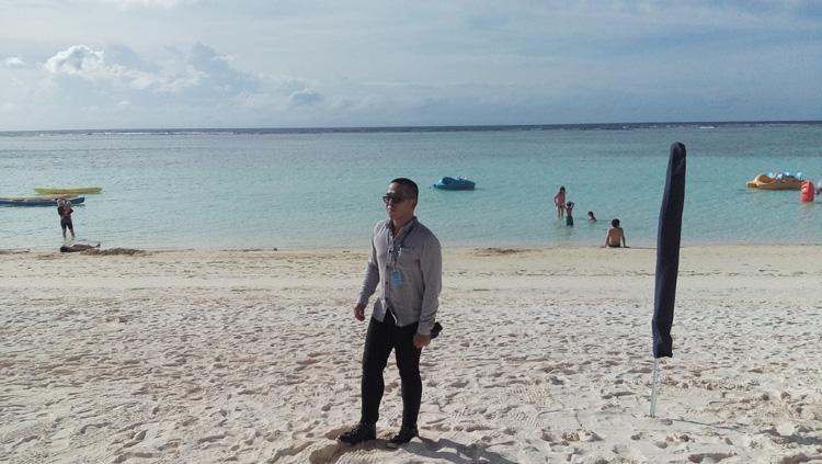 Office wear by the beach