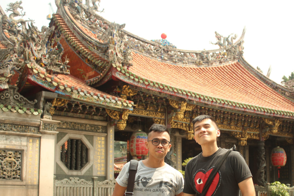 Blazing heat at Longshan Temple